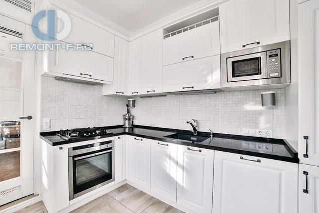 Дизайн кухни в 3-комнатной квартире на Ломоносовском проспекте