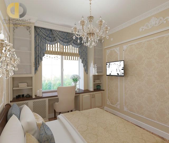 Классическая спальня с рабочим местом у окна