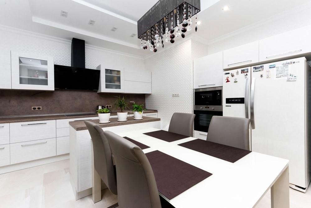 Дизайн белой кухни в современном стиле. Фото после ремонта