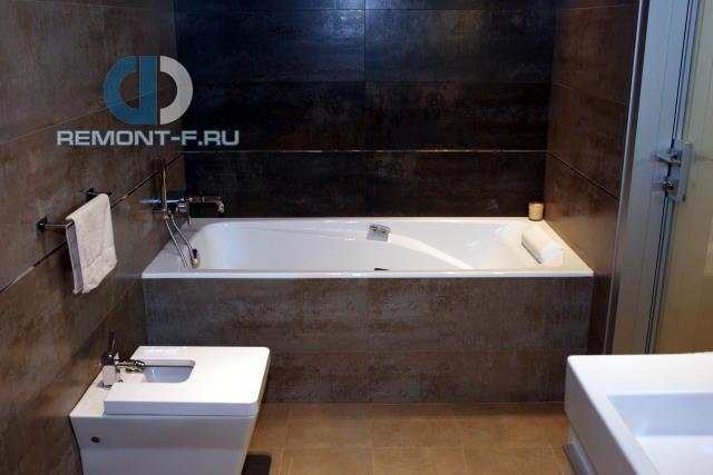 Современные идеи в дизайне брутальной ванной комнаты. Фото 2016