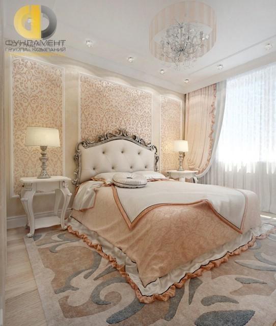 Дизайн спальни в персиковых тонах и имитацией панелей буазери