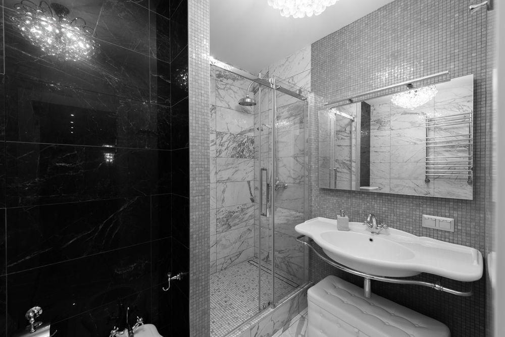 Интерьер ванной после ремонта в квартире в стиле буржуазный минимализм