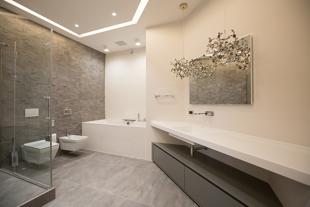 Планировка совмещенного санузла с ванной и душевой кабиной