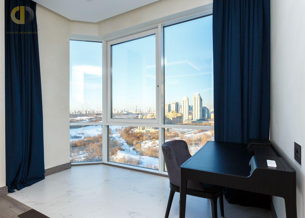 Дизайн интерьера с панорамными окнами: 6 вариантов оформления