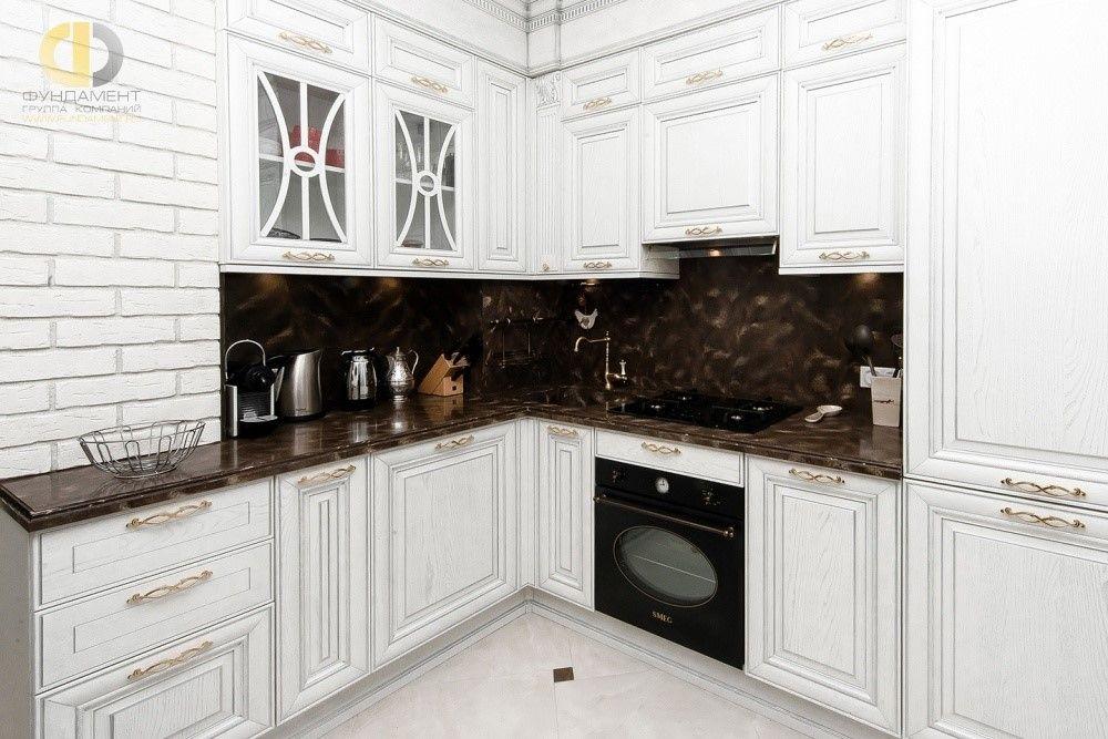 Белая кухня в интерьере. 27 фото