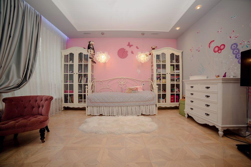 Дизайн детской комнаты для девочки 12 лет. Вид на спальную зону