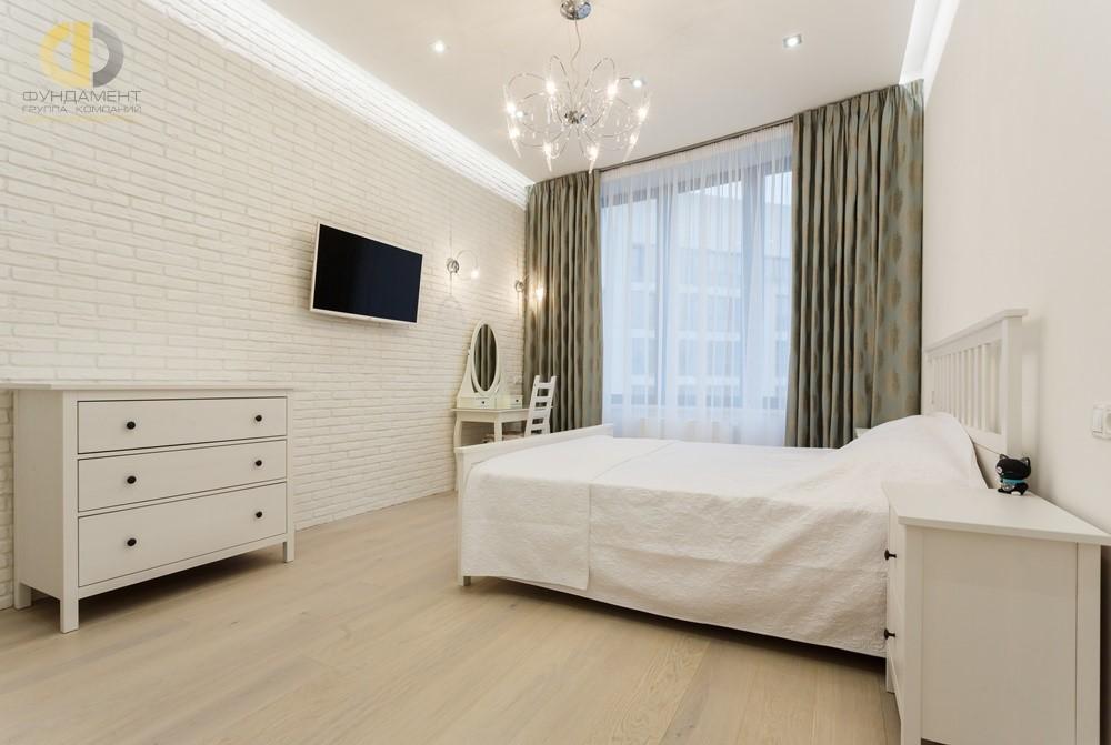 Проект интерьера спальни с белой кирпичной кладкой