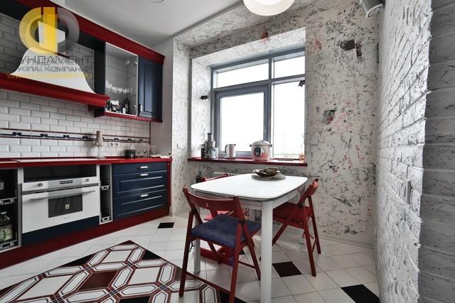 Интерьер кухни в квартире в стиле прованс. Реальная фотография после ремонта