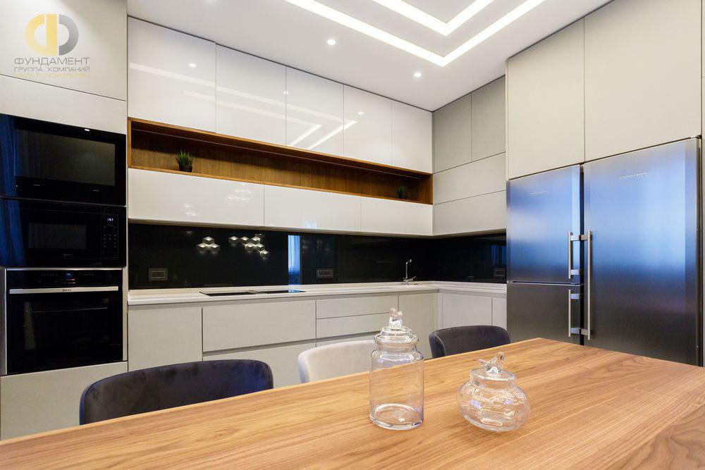 Современный дизайн кухни в ЖК «Мосфильмовский»